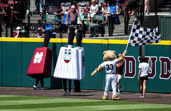 Racing Cowbells Mississippi Racing Mascots with Bulldog