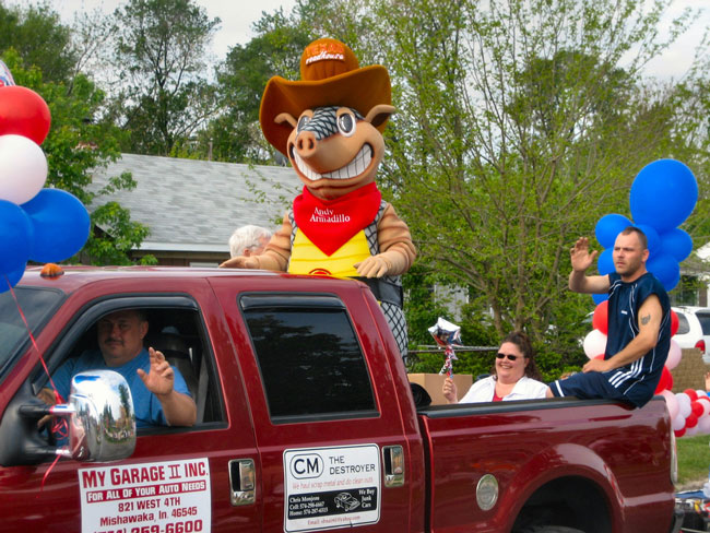 Andy Armadillo Texas Roadhouse Mascot Costume In Truck For Parade